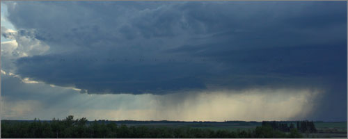 Thunderstorm west of Innisfail, Alberta - May29,2008