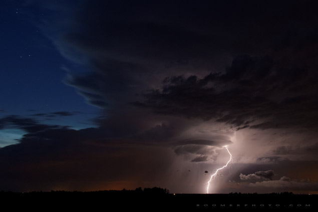 Electric supercell southwest of Edmonton - July 6, 2011