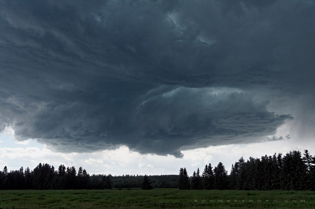 Supercell near Raven, AB - July 17, 2006