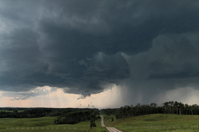Supercell south of Caroline, AB - July 12, 2009