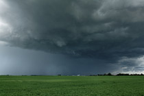 Thunderstorm approaching of Carstairs, AB - July 6, 2012
