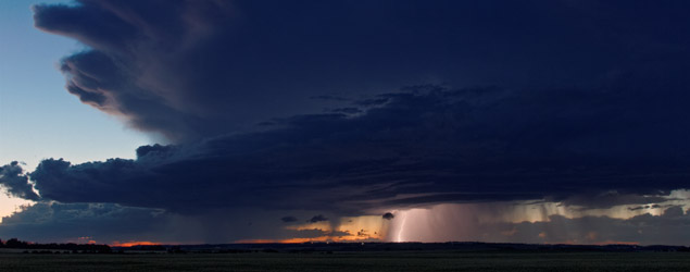 Highly charged thunderstorm over Sylvan Lake, Alberta - August 4, 2012